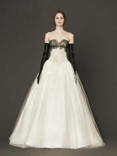Trouwjapon met zwart kant van Vera Wang - 14x trouwjurk met een twist