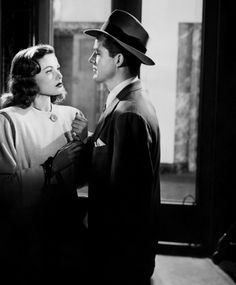 Gene Tierney and Dana Andrews in Laura (1944)