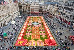 The stunning Flower Carpets are a yearly Brussels tradition started by famous landscape architect, E. Stautemans, in 1971
