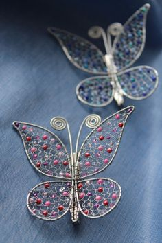 Drôtovanie, galéria | Artmama.sk Barbed Wire Art, Copper Wire Art, Butterfly Drawing, Butterfly Crafts, Wire Crafts, Metal Crafts, Wire Wrapped Jewelry, Wire Jewelry, Dragonfly Wall Art