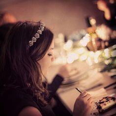 #flowerpowerbyfelicia#flowerpower#flowercrown#flower#silver#dinner#girl#brown