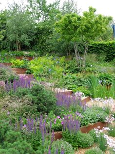 One of the lovely but ultimately very similar major garden displays