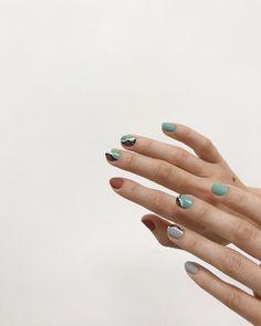 На данном изображении может находиться: один или несколько человек, кольцо и часть тела крупным планом Casual Nails, Self Nail, Nail Place, Korean Nails, Give It To Me, Make Up, Nail Blog, Perfect Nails, Holiday Nails