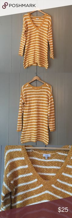 """CCO sale✨Mustard and White Oversized Sweater Like new condition! Perfect chic sweater. No flaws. Stretchy. Armpit to armpit is 18"""". Length is 32-33"""". Offers are welcome. Tobi Sweaters V-Necks"""