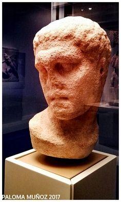 Cabeza de mármol. Guerrero griego. Mausoleo de Halicarnaso. Marble head. Greek warrior. Mausoleum at Halicarnassus.