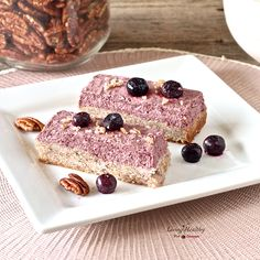 Blueberry Breakfast Bars (gluten-free, grain-free, dairy free, refined sugar-free) by #livinghealthywithchocolate