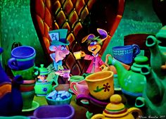 Disneyland - Alice in Wonderland Ride