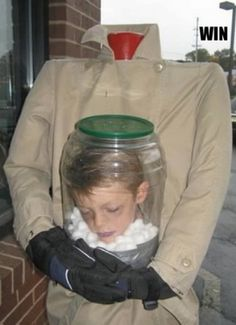 Maschera per bambini...O_o...allucinante!