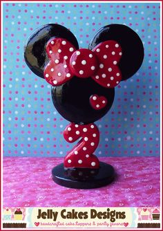 Classic Minnie Topper in red by Jelly Cakes Designs, via Flickr