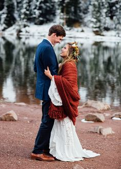 This Aspen elopement features epic mountain views, a super cozy boho bride, and one of the sweetest first looks we've ever seen.