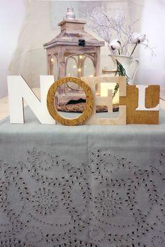Diy: scritta natalizia decorativa Home Decor, Noel, Decoration Home, Room Decor, Home Interior Design, Home Decoration, Interior Design