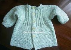 Desta vez tricotei um casaco só para ensinar como o fiz! Baseei-me no meu outro modelo e ficou assim... lindo!!!... Fui tricotando e...