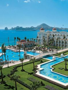 All-inclusive Honeymoon Packages Best All Inclusive Resorts for a Honeymoon: Riu Palace Cabo San Lucas Vacation Places, Dream Vacations, Places To Travel, Travel Destinations, Places To Go, Honeymoon Ideas, Honeymoon Destinations All Inclusive, Best Place For Honeymoon, Best Honeymoon Locations