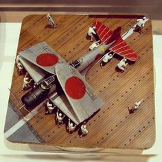 Great Deck diorama. Unknown modeler #scalemodel #plastimodelismo #worldwar #wwii #plasticmodel #plastimodelo #usinadoskits #udk #plastickits #plastickit #miniatur #miniature #maqueta #maquette #modelismo #modelism #modelisme #war #guerra #guerre #bataille #segundaguerra