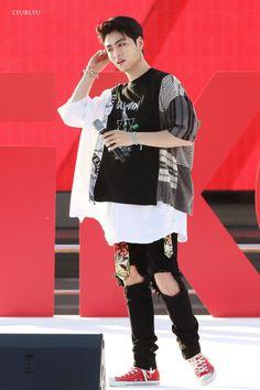 """180804 PiKONIC DAY 준회야 🔥🔥 #iKON #아이콘 #구준회 #JUNE #ジュネ… """