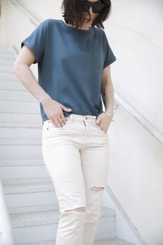 blue silk tee & white ripped jeans #style #fashion
