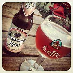 Belgisches Bier und lecker Fritten mit vielen unterschiedlichen Soßen am hans-Böckler-Platz.