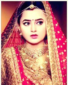 "tejaswi_prakash: ""#Beautfuledit #Tejaswi #bæ #cute @tejaswiiiii #loveyou #mylove  P.C-- fb."" Tejaswi Prakash, Traditional Looks, Bollywood Stars, Suit Fashion, Indian Girls, Beauty Queens, Saree, Lehenga, Cute Couples"