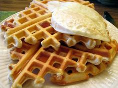 Low-Carb Waffles Serves 1  2 egg whites 1 1/2 scoops vanilla protein powder (I use 100% whey protein powder) a sprinkle of cinnamon or apple pie spice cooking spray