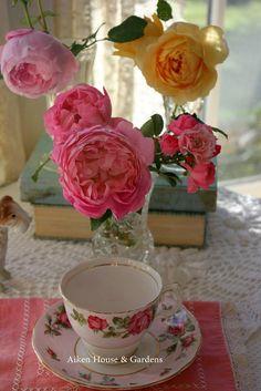 Aiken House & Gardens: Vintage Style and Garden Bouquets