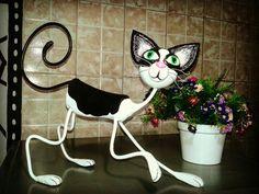 Série gatos assinado por @Vicentesilvaartesao material reciclado Trabalho que faço com muito amor.