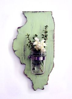 Could I DIY? Illinois State with Re-purposed Mason Jar Vase/Candle holder (Pictured in Moss) Pine Wood Sign Wall Decor Rustic Americana Country Chic. Create this for each state you've lived in? Mason Jar Art, Mason Jar Vases, Mason Jar Crafts, Mason Jar Holder, Candle Holders, Jar Candle, Rustic Wall Decor, Shabby Chic Decor, Rustic Wood