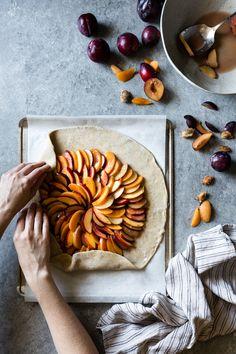 Stone Fruit Galette with Honey & Cardamom {gluten-free} Slow Cooker Desserts, Bojon Gourmet, Gluten Free Pie Crust, Stone Fruit, Snacks Für Party, Food Styling, Food Inspiration, Waffles, Food Photography