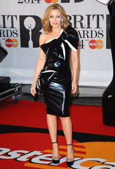 Singer Kylie Minogue got a little too wrapped up trying to find something to wear to this year's BRIT Awards.