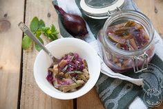 Zucchine e cipolle rosse in carpione in vasocottura