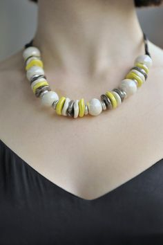 Jak dobrać biżuterię do dekoltu? #ByDziubeka #jewelry #bizuteria #decolletage