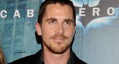 El guapo actor, famoso por interpretar a Batman en varias cintas, luce sumamente cambiado debido a un nuevo personaje al que dará vida.