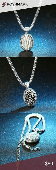 White Crystal oval pendant 💎 BRAND NEW Luxury White Crystals chunky oval shaped pendant. This is an elegant piece of beauty. The pics does No justice.  Similar to David Yurman pieces... Interested? White Crystal  Jewelry Necklaces