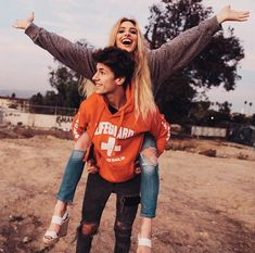 Juanpa y Lelepons Cute Couples Goals, Couple Goals, Cutest Couples, Cute Couple Pictures, Cute Friend Pictures, Couple Photos, Guy Best Friend, Best Friend Goals, Tumblr Couples