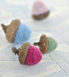 Adorn with Acorns This Season - yarn acorns via Classy Clutter