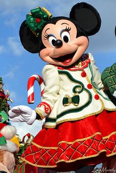 Minnie Mouse - Mickey's Once Upon A Christmastime Parade