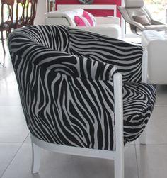 fauteuil tonneau davis et tissu zebre