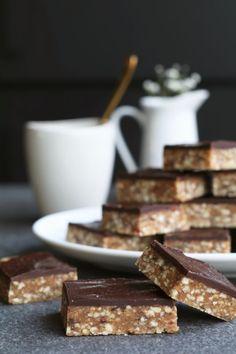Elegante Chocolade pindakaas sieht Beaufood Chocolade pindakaas beißt, Glutenvrije W. Healthy Breakfast Snacks, Veggie Snacks, Healthy Bars, Healthy Baking, Healthy Foods, Food Blogs, Pureed Food Recipes, Cupcakes, Food Inspiration