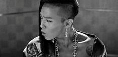 G-Dragon (Kwon Ji Yong) Fantastic Baby gif