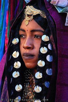 Touareg bride ~ most Tuareg live in the Saharan parts of Niger, Mali, and Algeria