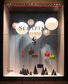 Serapian windows by Sovrappensiero Design Studio, Milan visual merchandising Fashion Window Display, Window Display Design, Store Window Displays, Visual Merchandising Displays, Visual Display, Retail Windows, Store Windows, Vitrine Design, Design Commercial