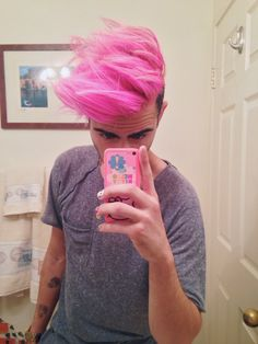 Noble's choice of hair cut/color. Plus, Hello Kitty, painted nails, and pink hair? This guy is Noble all grown up! Mens Hair Colour, Hair Color, Hairstyles Haircuts, Trendy Hairstyles, Hair And Beard Styles, Short Hair Styles, Pelo Multicolor, Coloured Hair, Moustaches