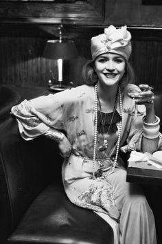YSL Muse the inspiring Loulou de la Falaise for BON Magazine Ysl, Moda Vintage, 70s Fashion, Fashion Models, Vintage Fashion, Yves Saint Laurent, Mannequins, Flappers, Style Icons