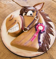 Horse Cake Horse Head Cake Course - Learn to make this cartoon style steed that's furlongs ahead Cake Decorating Courses, Cake Decorating Videos, Decorating Supplies, Fancy Cakes, Cute Cakes, Western Cakes, Horse Birthday Parties, Birthday Cake, Decoration Patisserie