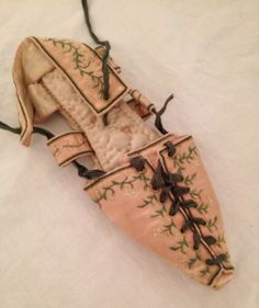 SilkDamask : The Dramatic Shoe: A Selection from the Chester County Historical Society