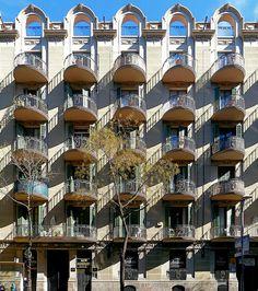"""Barcelona - Aribau 226"" - photo by Arnim Schulz, via Flickr"