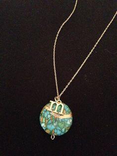Kintsugi necklace with an alphabet. Craft Jewelry, Kintsugi, Gift Store, Alphabet, Pendant Necklace, Gifts, Fashion, Handmade Chain Jewelry, Moda
