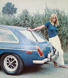 MGB GT 1974 with lovely women