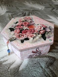 Шкатулка для украшений своими руками 🤗 Jewelry box 💍👑 g.s.bolshakova@mail.ru Пишите!