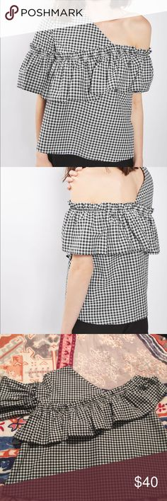 NWOT Topshop gingham frill top size 6! NWOT Topshop gingham frill top size 6! Super fun and flirty top! Perfect condition - never worn! Topshop Tops