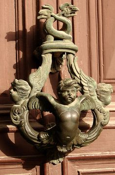 ♅ Detailed Doors to Drool Over ♅ art photographs of door knockers, hardware & portals - angel Antique Door Knockers, Door Knockers Unique, Door Knobs And Knockers, Cool Doors, Unique Doors, Culture Art, Porte Cochere, Door Detail, Door Accessories